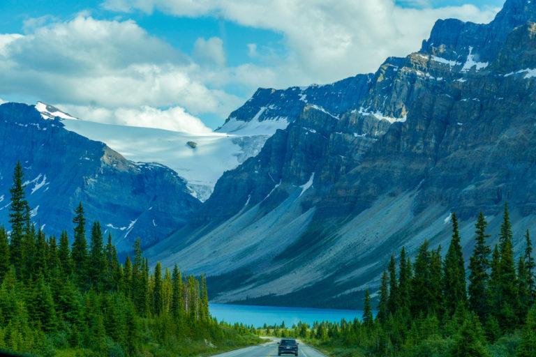 bow-lake-and-crowfoot-glacier-banff-national-park-canada